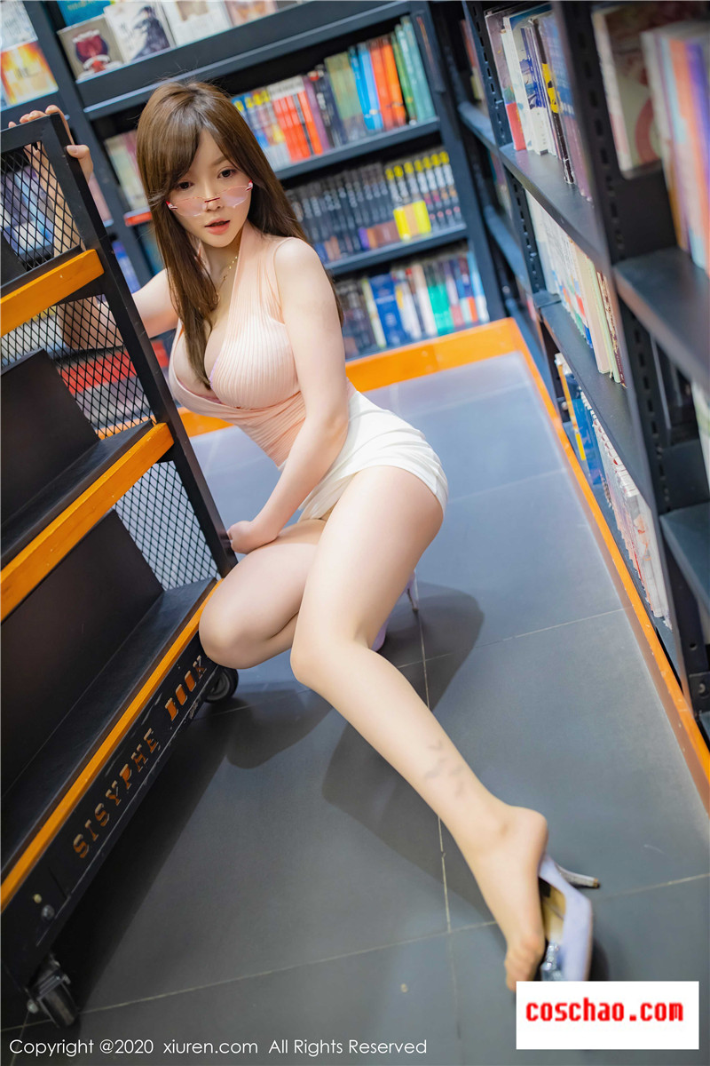 微博网红模特米妮大萌萌原版私拍照片全套高清写实6683P百度云下载